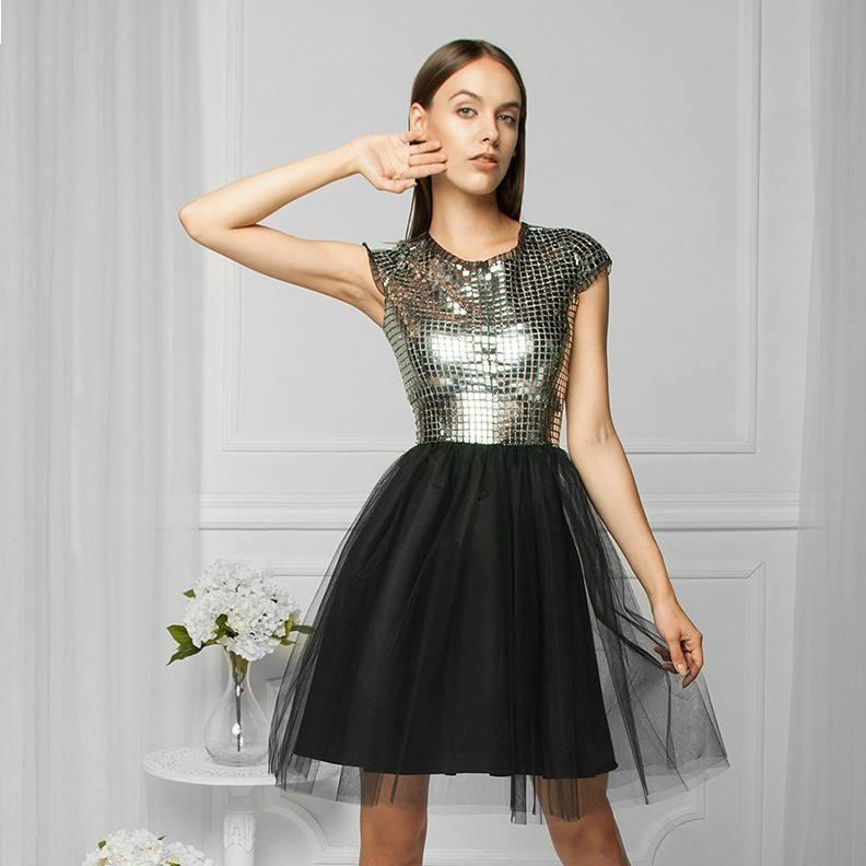 Showroom kod rabatowy sukienki - Newsweek
